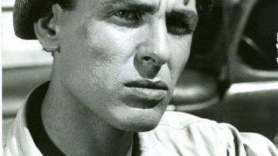 Апостол Карамитев е един от знаковите български актьори