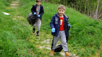 Най-малките бяха най-активни в почистването. Снимки Черноморие-БГ
